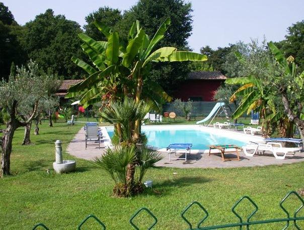 Seven hills village resort rome - Seven hills village roma piscina ...