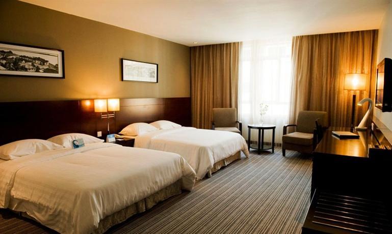 Hotel Sixty3