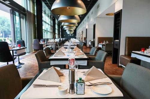 Dutch design hotel artemis amsterdam compare deals for Dutch design hotel