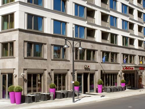 adina apartment hotel berlin hackescher markt compare deals. Black Bedroom Furniture Sets. Home Design Ideas