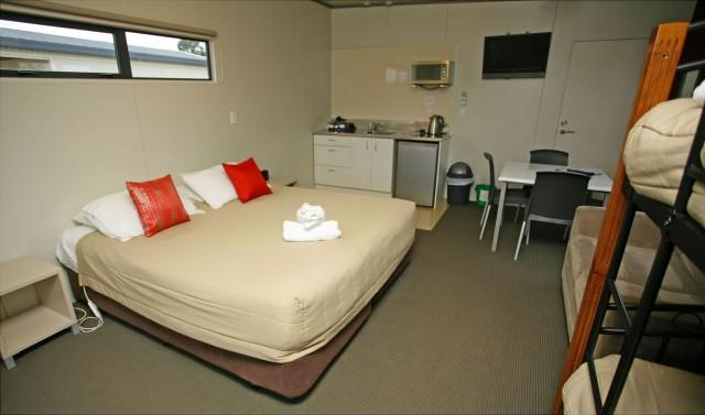Oasis hotel taupo deals