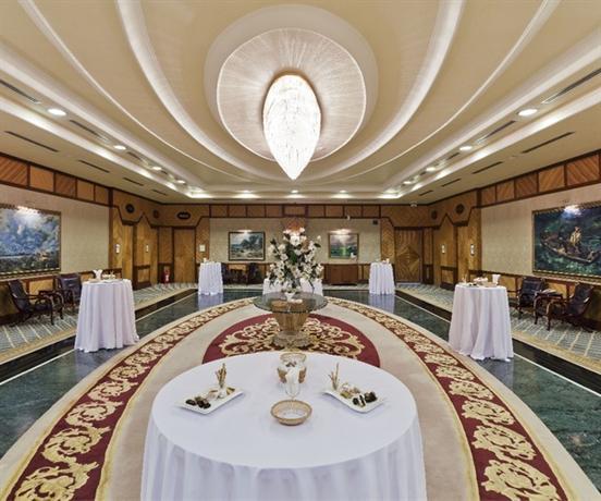Porto bello hotel resort spa antalya compare deals for Bello salon