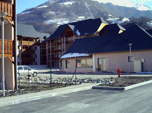 Domaine Du Val De Roland, Luz-Saint-Sauveur - Compare Deals