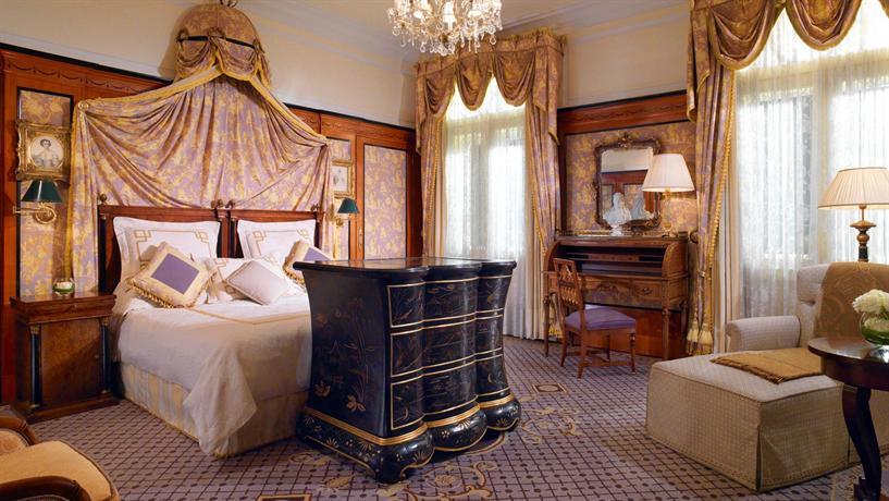 Luxury Hotels in Vienna: Bristol