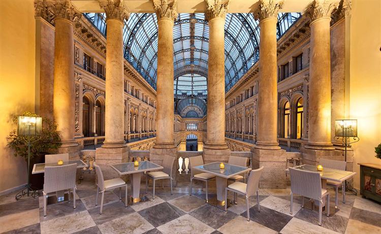 Hotel art resort galleria umberto napoli offerte in corso for Dove soggiornare a napoli