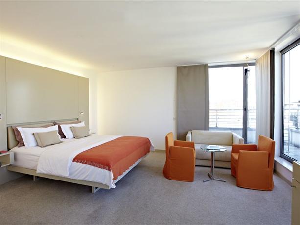 Design hotel josef prague compare deals for Design hotel josef prague booking com