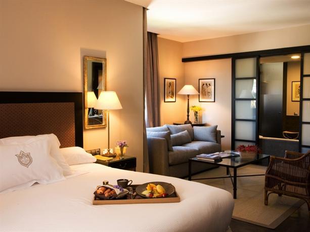 Asia gardens hotel thai spa a royal hideaway hotel for Cuarto de hotel 5 estrellas