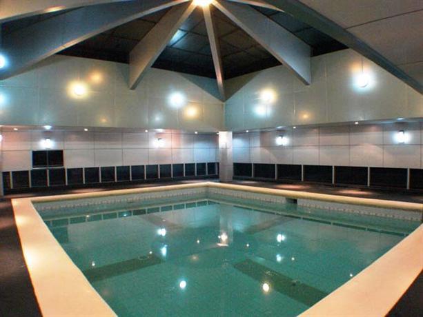 Sir William 39 S Hotel Quezon City Compare Deals