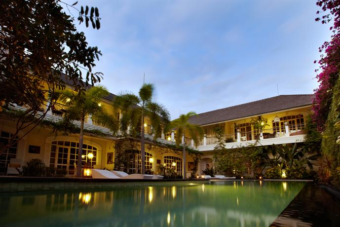 Casa artista bali seminyak compare deals for Bali accommodation 5 star