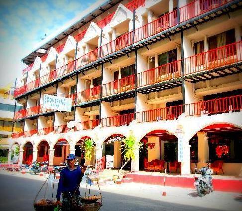 Phuket Guest Friendly Hotels - Boomerang Inn