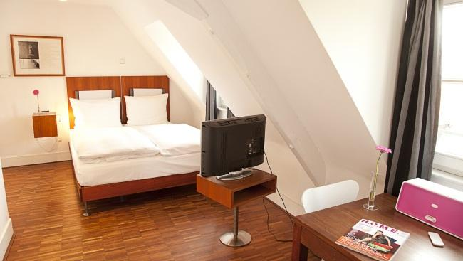 hopper hotel st antonius cologne compare deals. Black Bedroom Furniture Sets. Home Design Ideas