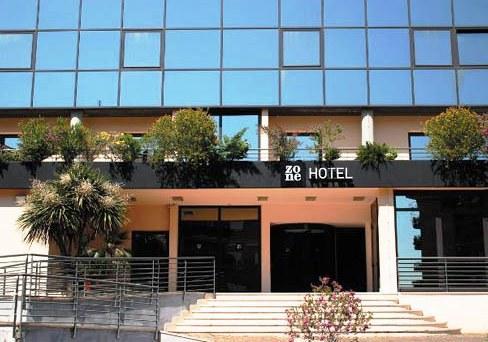 zone hotel rome compare deals. Black Bedroom Furniture Sets. Home Design Ideas