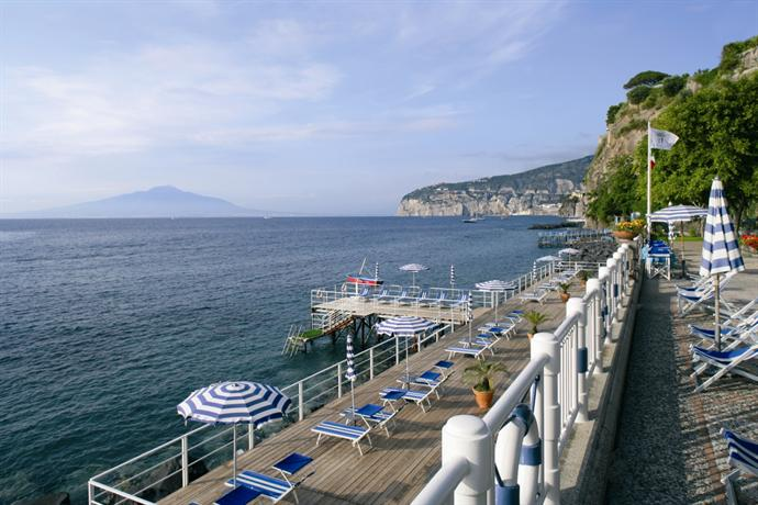 Grand hotel de la ville sorrento compare deals - Piscine de grand quevilly ...