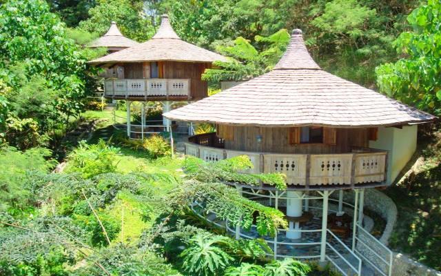 Hof gorei beach resort samal compare deals for Guesthouse hof island