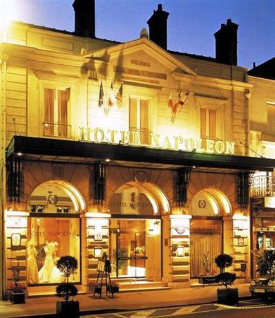 Napoleon hotel fontainbleau fontainebleau compare deals for Hotel fontainebleau france