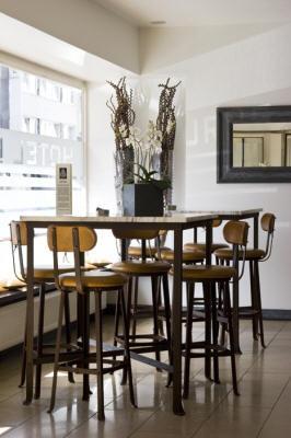 burns art hotel duesseldorf dusseldorf compare deals. Black Bedroom Furniture Sets. Home Design Ideas