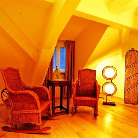 Hip hotel heidelberg compare deals for Trendy hotel
