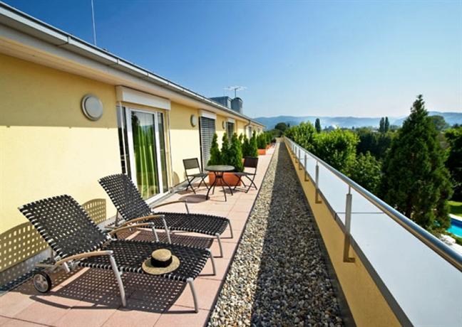 clarion hotel hirschen freiburg im breisgau compare deals. Black Bedroom Furniture Sets. Home Design Ideas