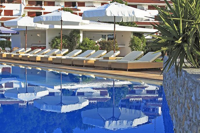 Skiathos princess hotel platanias compare deals for Hotel a skiathos