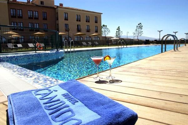 Hotel candido segovia offerte in corso for Hotel piscina segovia