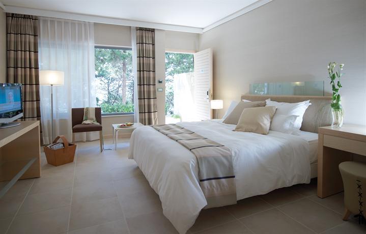 מלון רודוס פאלאס צילום של הוטלס קומביינד - למטייל (3)
