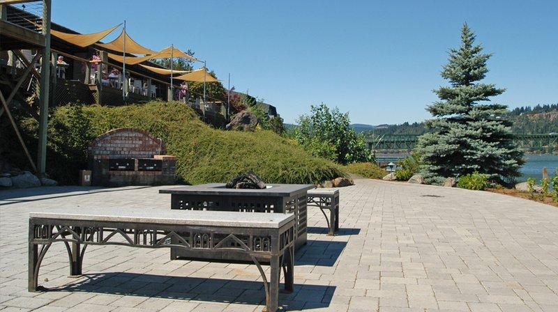Best Western Plus Hood River Inn Compare Deals