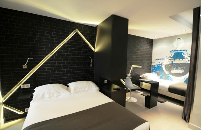 Hotel arc de triomphe etoile paris compare deals - Hotel arc de triomphe etoile ...