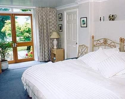 Spinneycross Bed and Breakfast Kingsdown Box