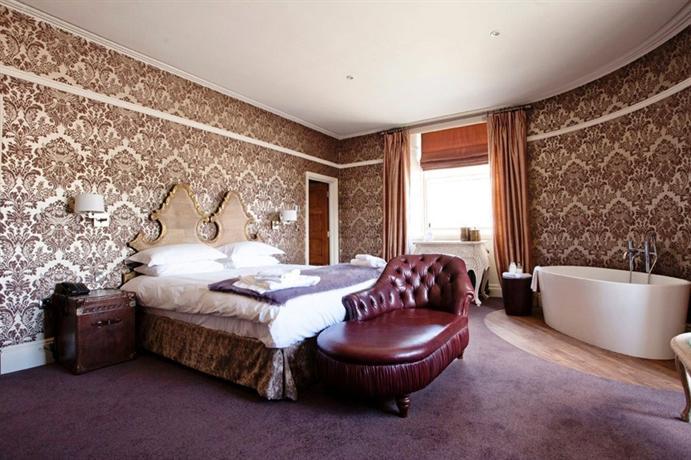 Royal Hotel Kirkby Lonsdale Parking