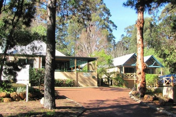 Heritage trail lodge margaret river compare deals for Trail lodge