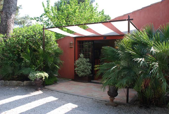 les jardins de cassis compare deals. Black Bedroom Furniture Sets. Home Design Ideas