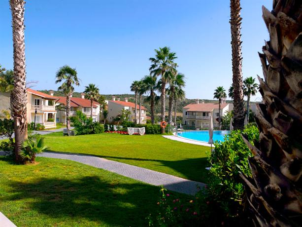 Aparthotel hg jardin de menorca alaior compare deals for Aparthotel jardin