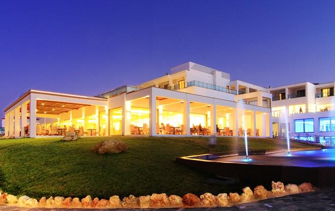 מלון קרסטן רויאל ווילות וספא צילום של הוטלס קומביינד - למטייל (1)