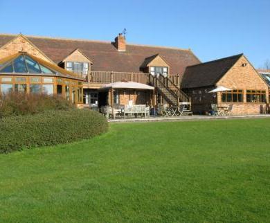 Kingfisher Country Club Stony Stratford