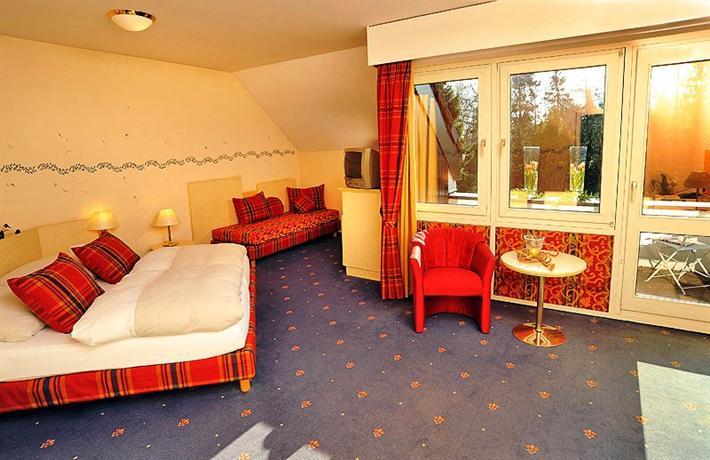 hotel viva creativo hannover compare deals. Black Bedroom Furniture Sets. Home Design Ideas