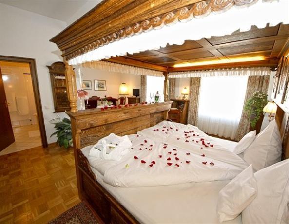 Hotel Van Bebber, Xanten  Compare Deals. Mosaique Hotel El Gouna. Lido International Hotel. Hotel Antonius. Bundanoon Lodge. Luxor Aeroporto Hotel. Feinwohnen Aparthotel. Acorn Lodge Guest House. Internacional De Asuncion Hotel