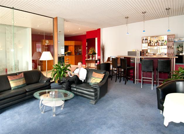 hotel attache an der messe francoforte confronta offerte. Black Bedroom Furniture Sets. Home Design Ideas