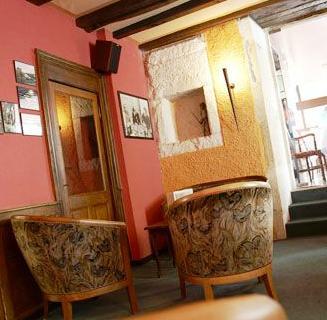 Hôtel Le Cheval Blanc Langres – Comparez les offres