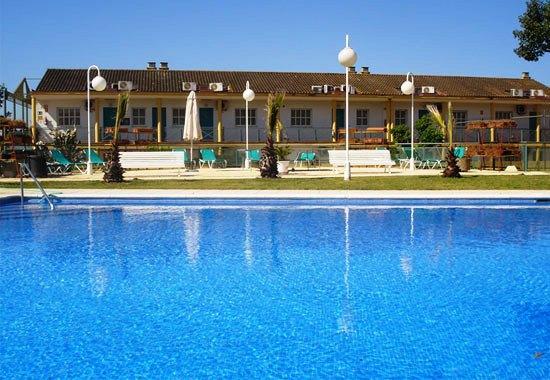 Jm jardin de la reina hotel guillena compare deals for Jardin de la reina granada