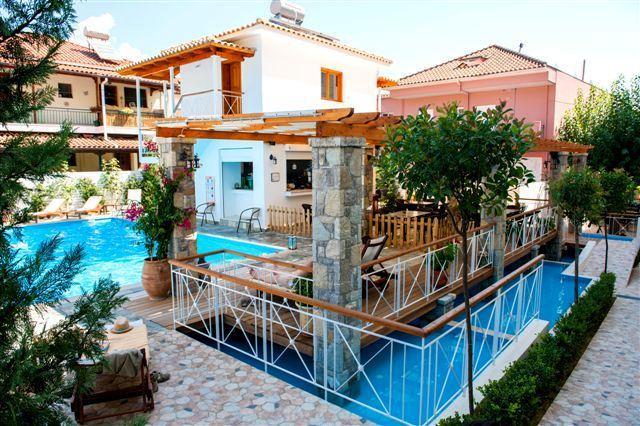 Neda hotel olympie comparez les offres for Neda piscines