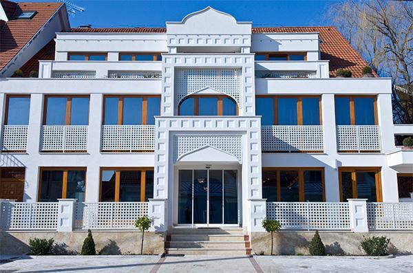 Amira boutique hotel heviz wellness spa compare deals for Boutique hotel wellness