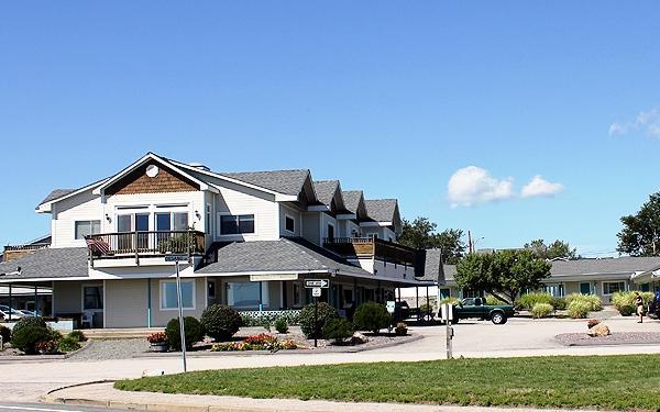 scarborough beach motel narragansett compare deals. Black Bedroom Furniture Sets. Home Design Ideas