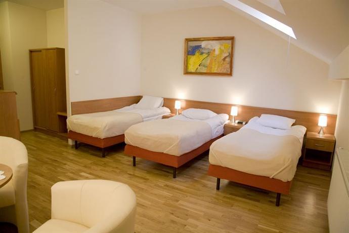 Kajzer Hostel