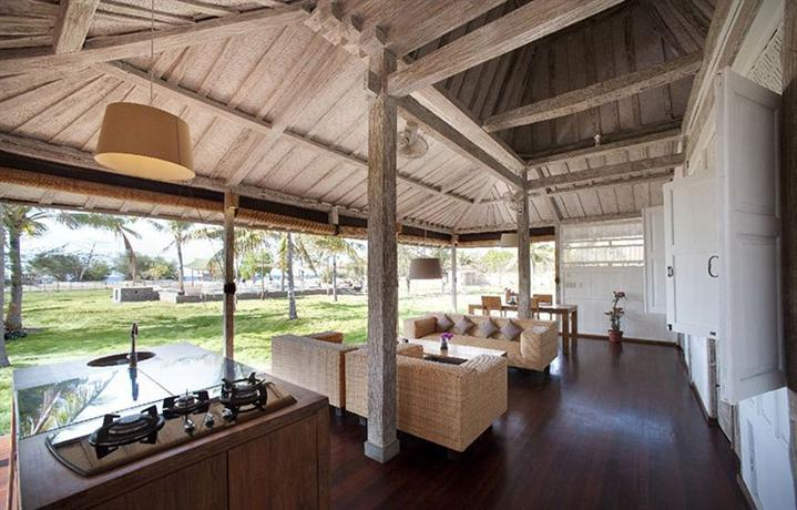 Gili eco villas lombok compare deals for Architecture japonaise