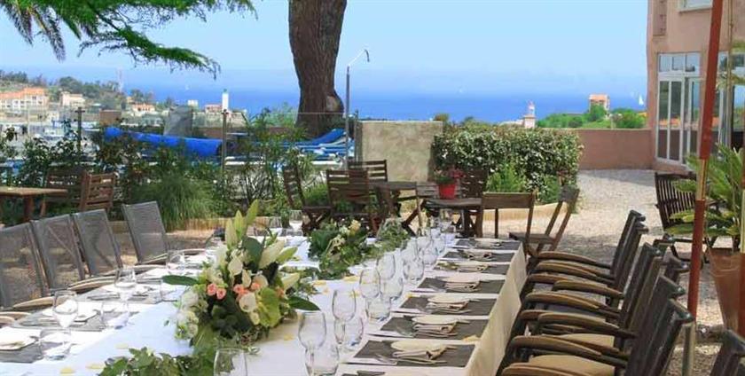 Hotel les jardins du cedre port vendres compare deals for Hotel du jardin