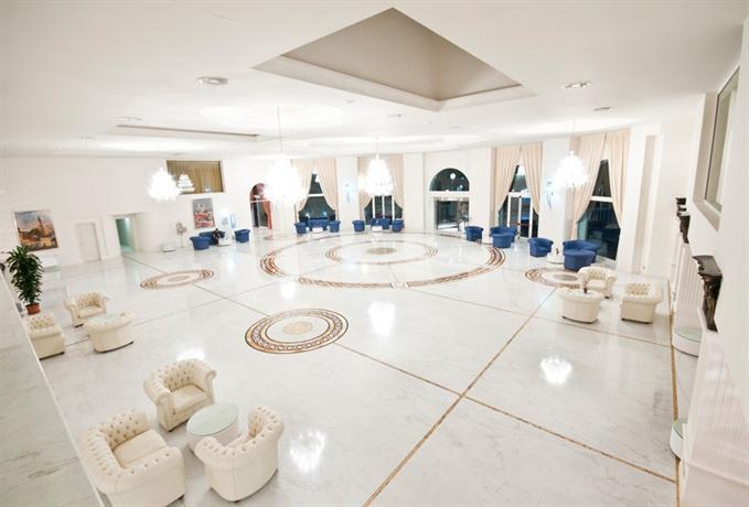 Grand Hotel Italia Cluj Napoca Compare Deals
