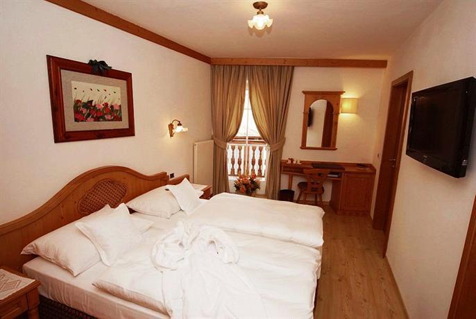 Baños Turcos Roma Horario:Central Hotel Moena: encuentra el mejor precio