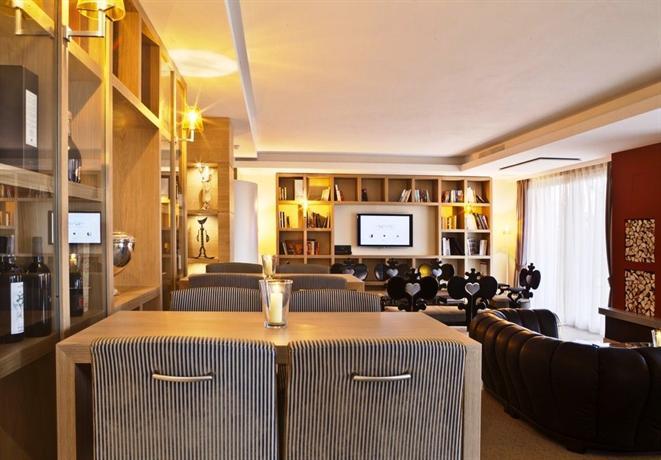 Napura art design hotel terlano compare deals for Design hotel napura