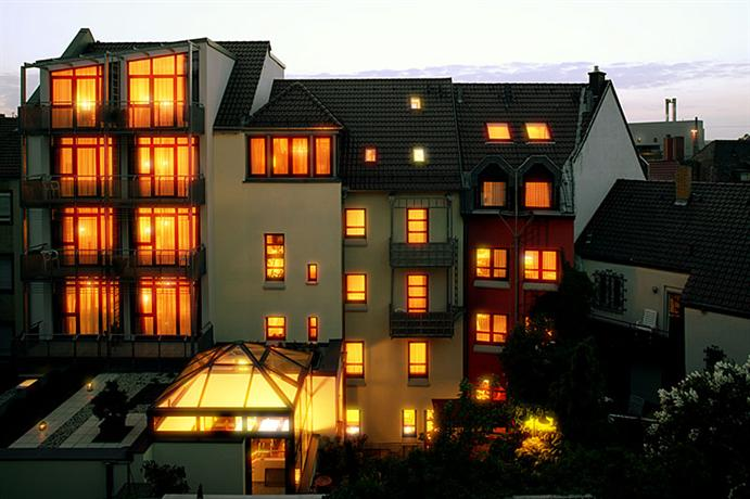 Design hotel zollamt kaiserslautern compare deals for Design hotel zollamt