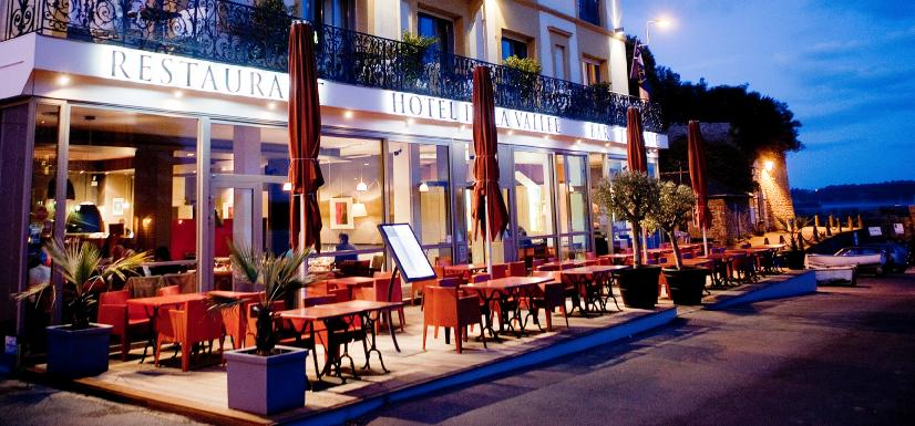 De la roche corneille hotel dinard compare deals for Hotels dinard